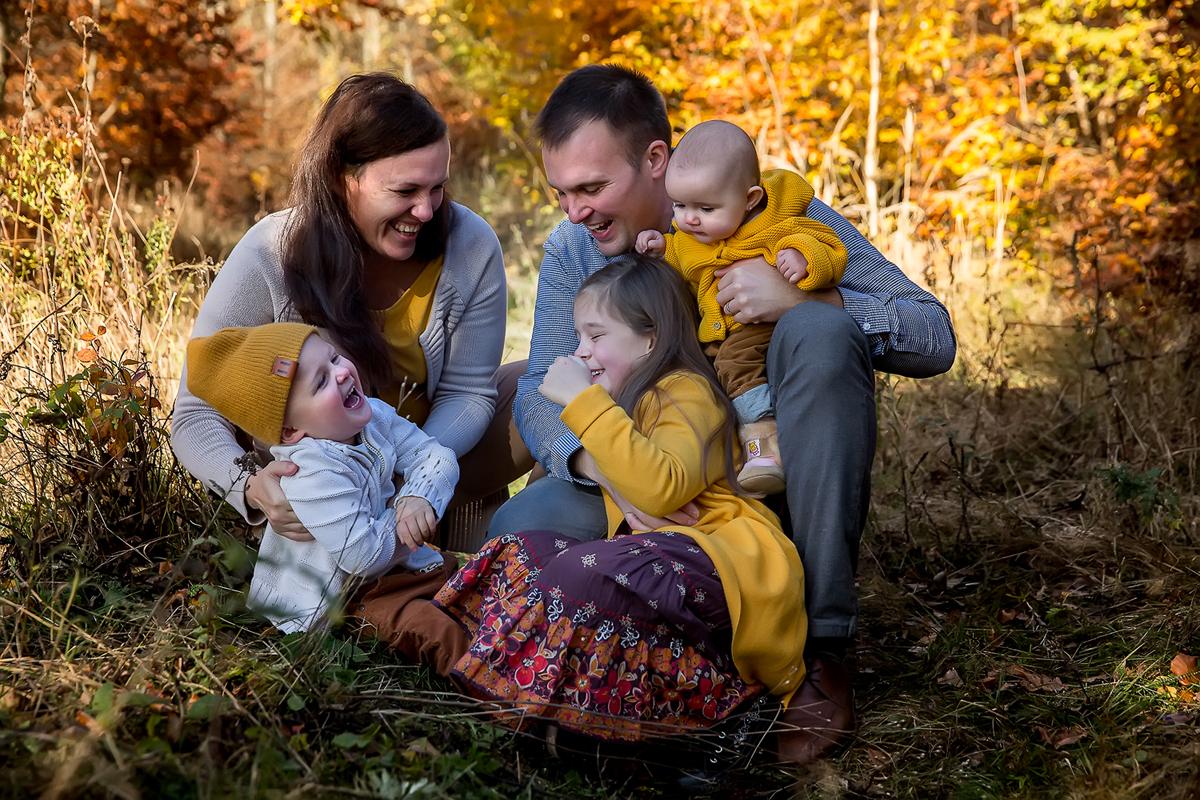 podzimni-rodinne-foceni-v-lese